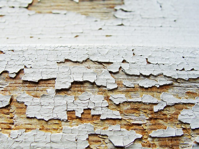 old-paint-cracking-wall